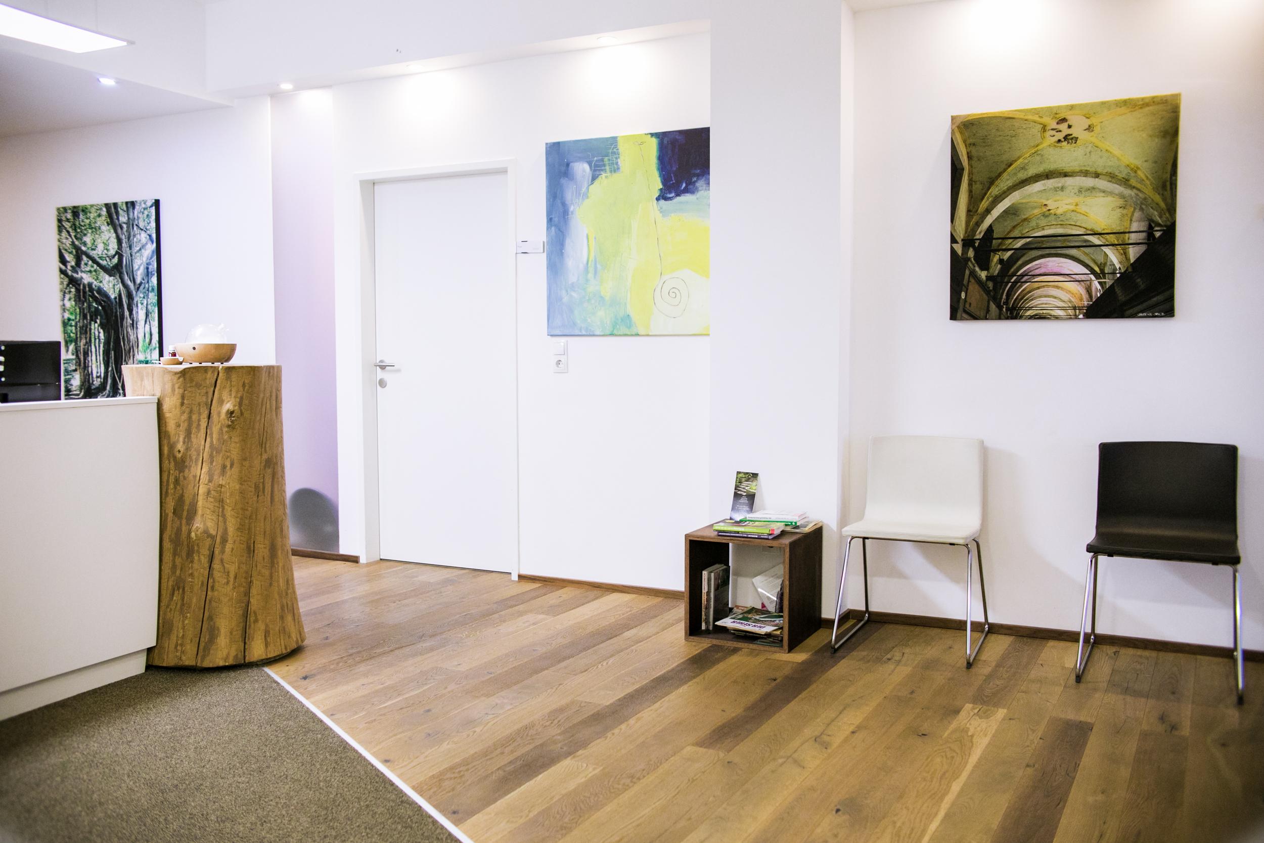 Eingangsbereich der Praxis Skoliosetherapie Innsbruck